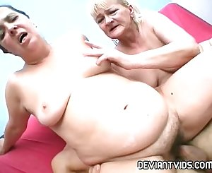 Ugly amateurs rammed in threesome pornography