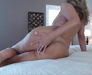 Hot Mature Mom On Web cam Anal Fuck Show